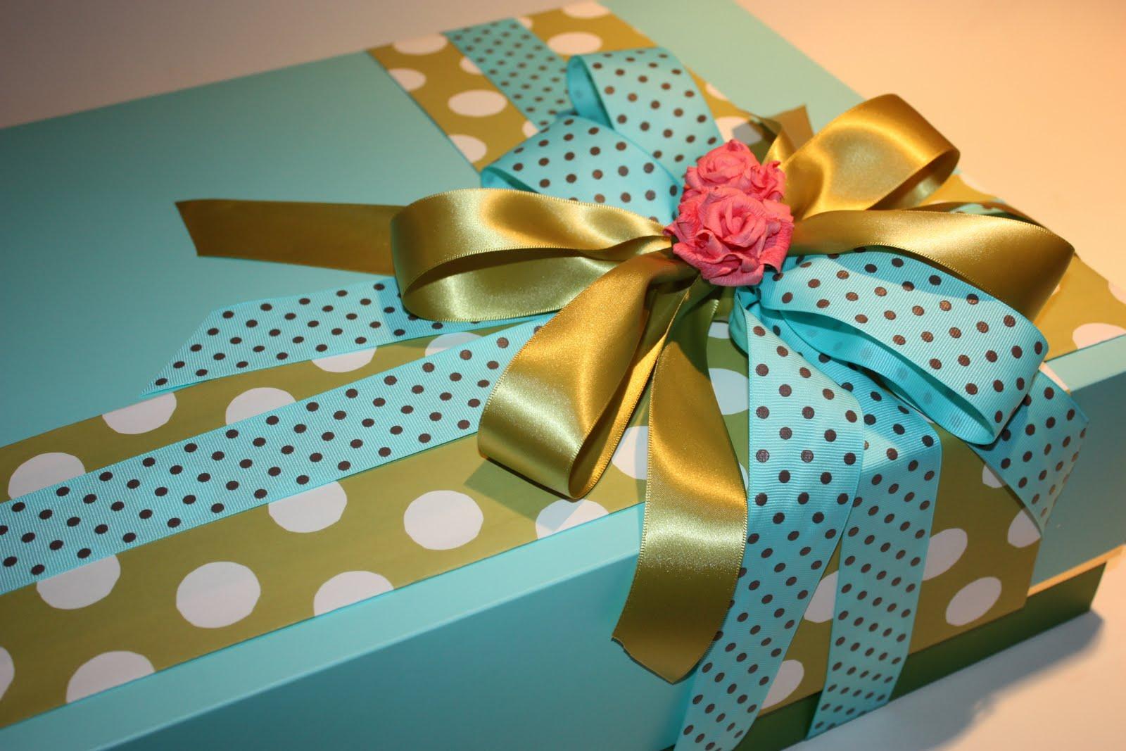 Как красива упоковать подарок